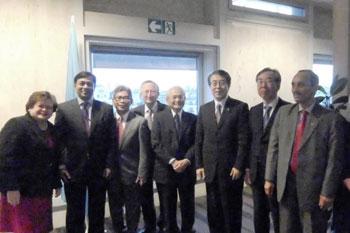 L'ambassadeur Monji et ses homologues de l'ASPAC