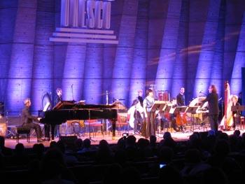 Le compositeur français Hacène Larbi dirigeant son œuvre « Matsukaze »